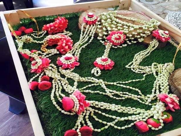 dohale jevan flower decoration